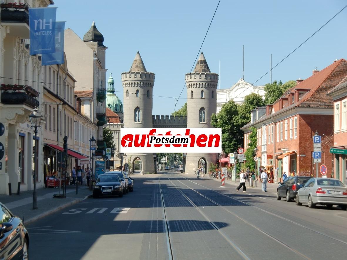Aufstehen in Potsdam spricht :